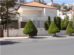 Separate Villa 4 bedrooms near Abdoun Circle