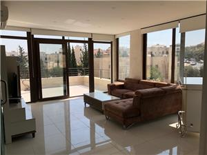 Furnished 3BR Duplex Roof with Terraces
