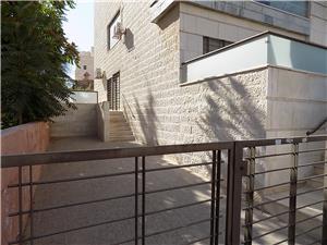 PRICE REDUCED! 3BR Ground Floor with Garden in North Abdoun